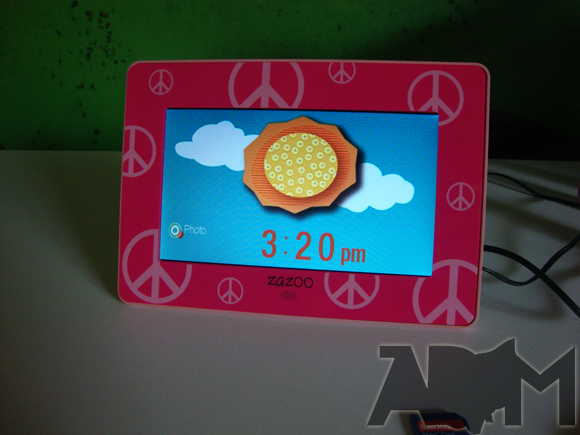 Daytime visual screen for Zazoo kids photo alarm clock